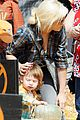 christina aguilera visits a pumpkin patch 24