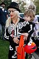 christina aguilera skeleton trick or treating 02