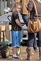 david boreanaz pumpkin picking 02