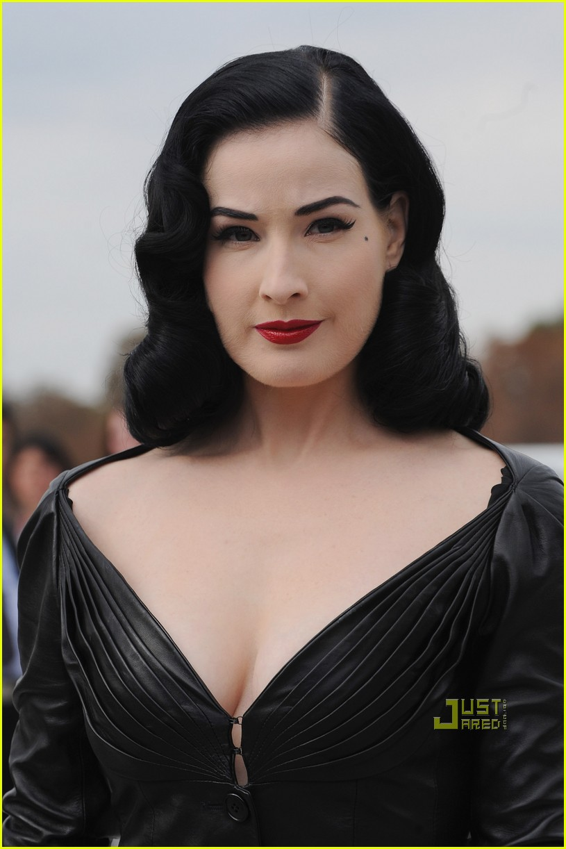 dita von teese domina leather dior 09