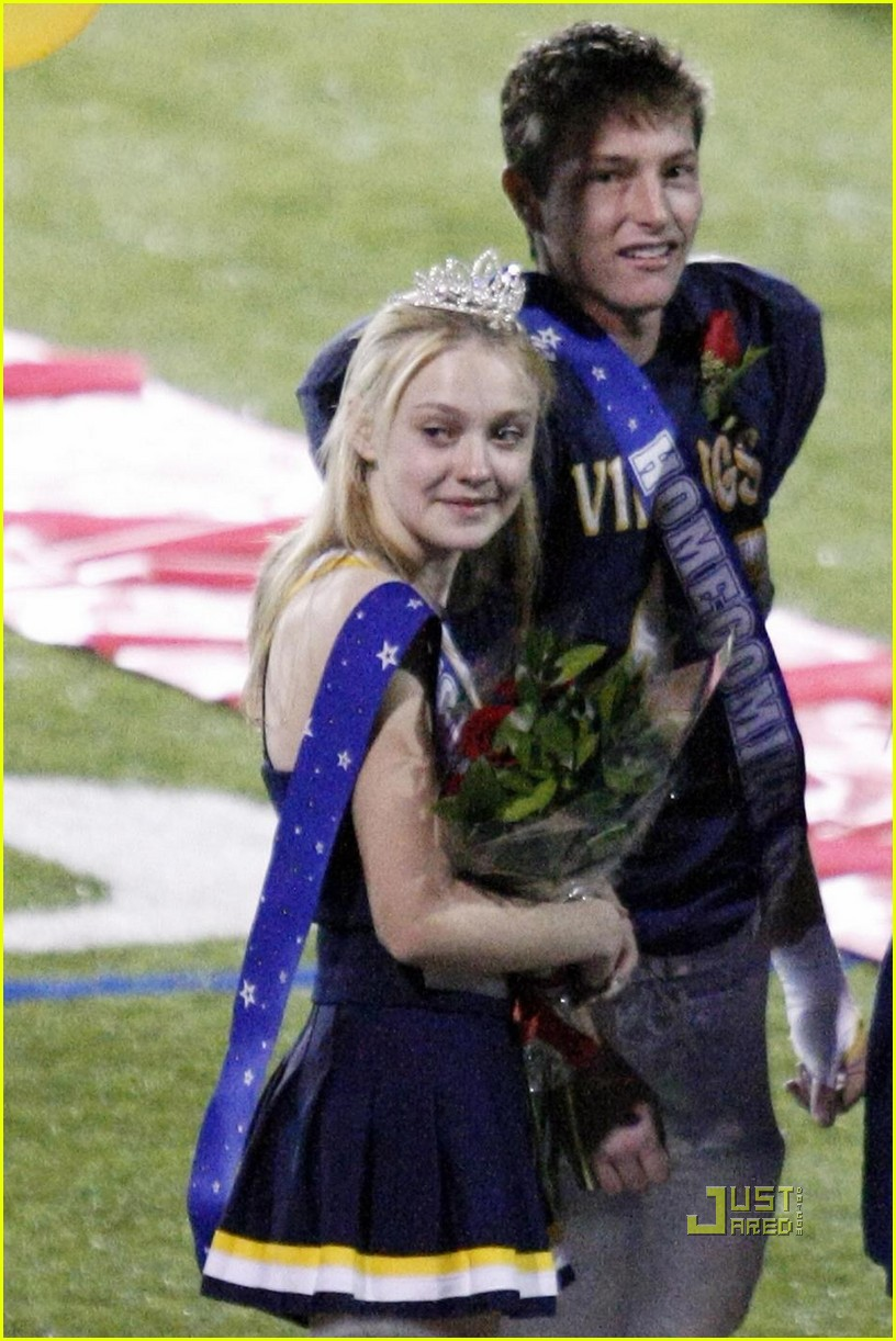 dakota fanning homcoming princess 15