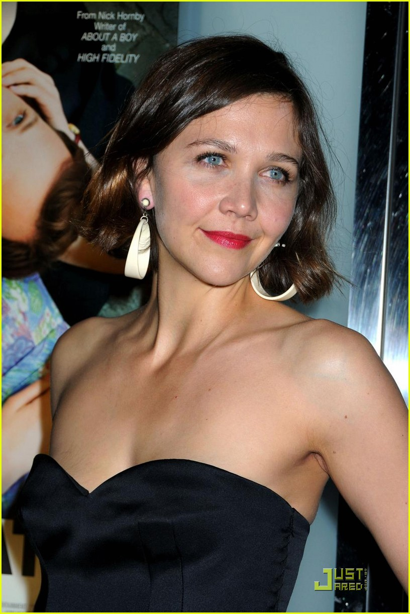 Classify Swedish-Jewish American Actress Maggie Gyllenhaal Maggie Gyllenhaal Jewish