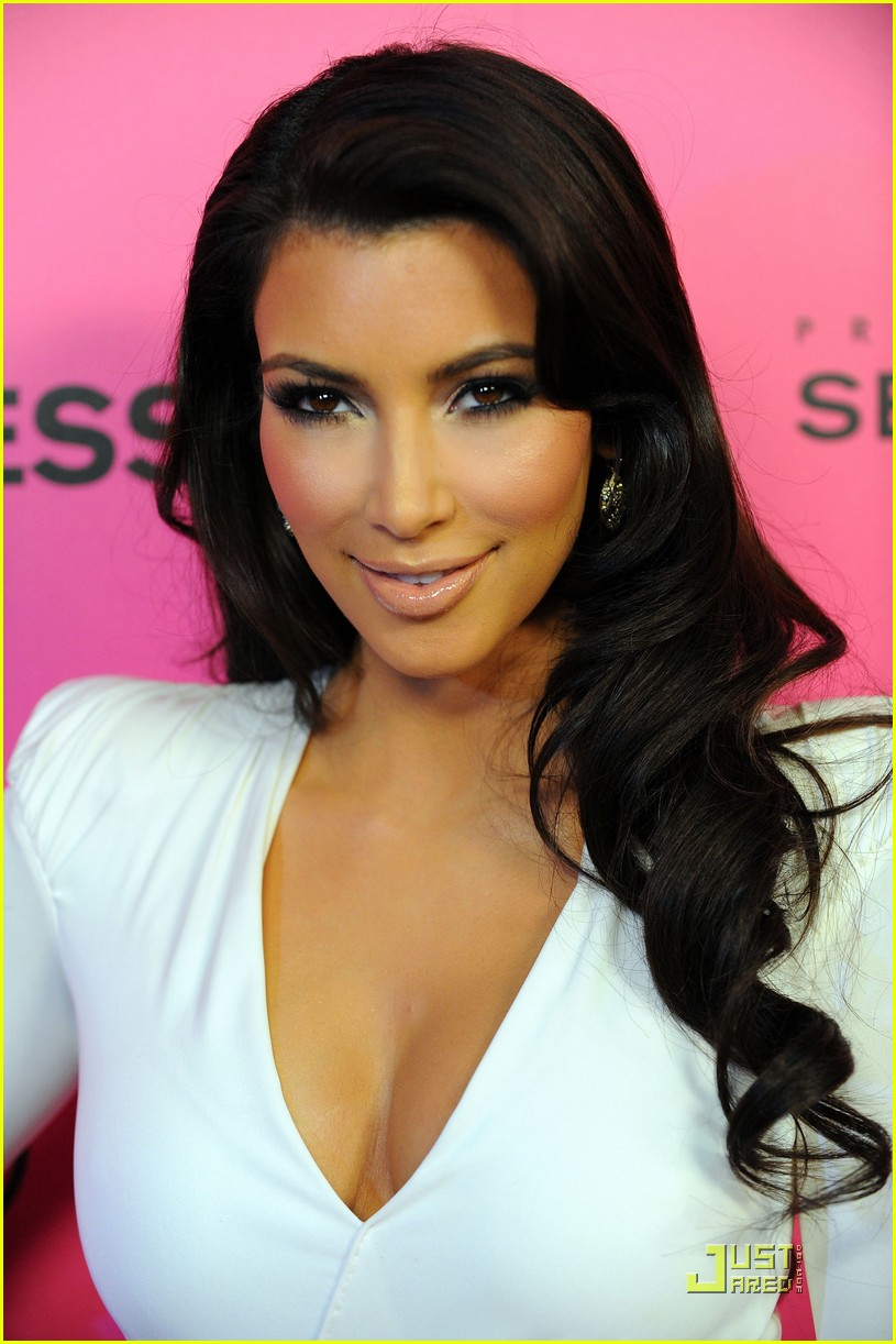 kim kardashian 2009 annual hollywood style awards 012280731