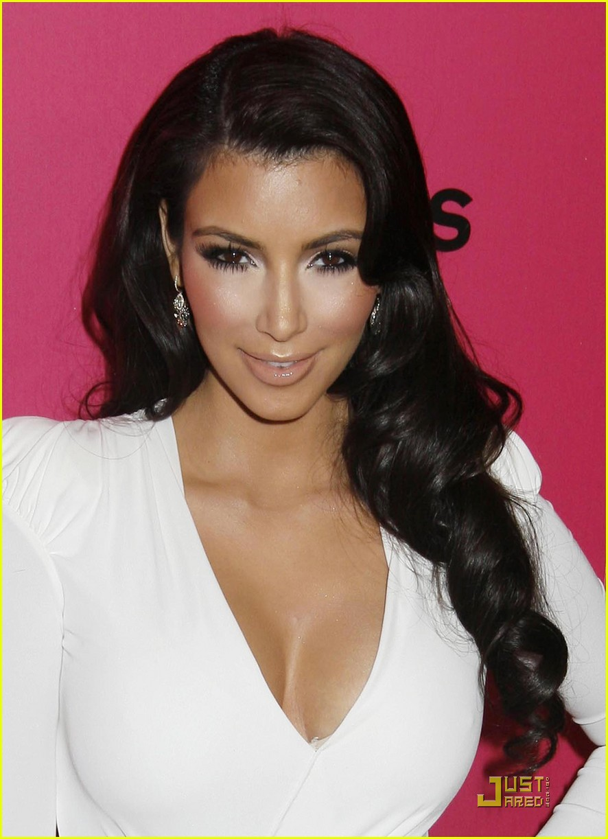 Full Sized Photo Of Kim Kardashian 2009 Annual Hollywood Style Awards 10 Photo 2280821 Just