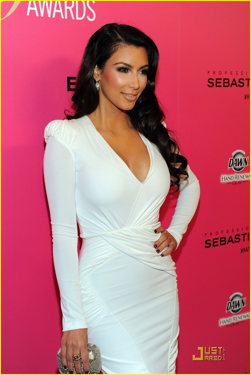 kim kardashian 2009 annual hollywood style awards 12