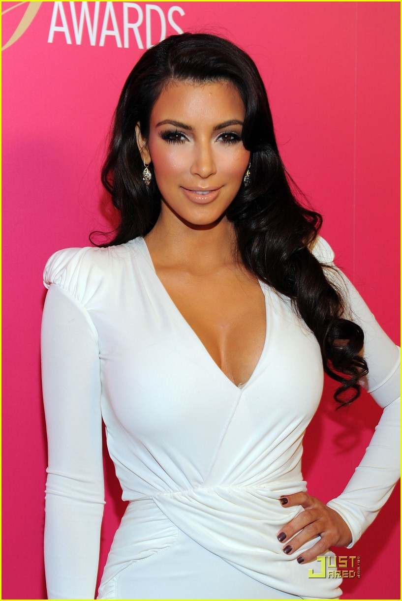 kim kardashian 2009 annual hollywood style awards 13