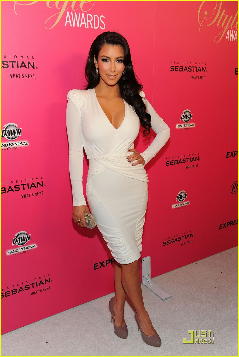 kim kardashian 2009 annual hollywood style awards 16