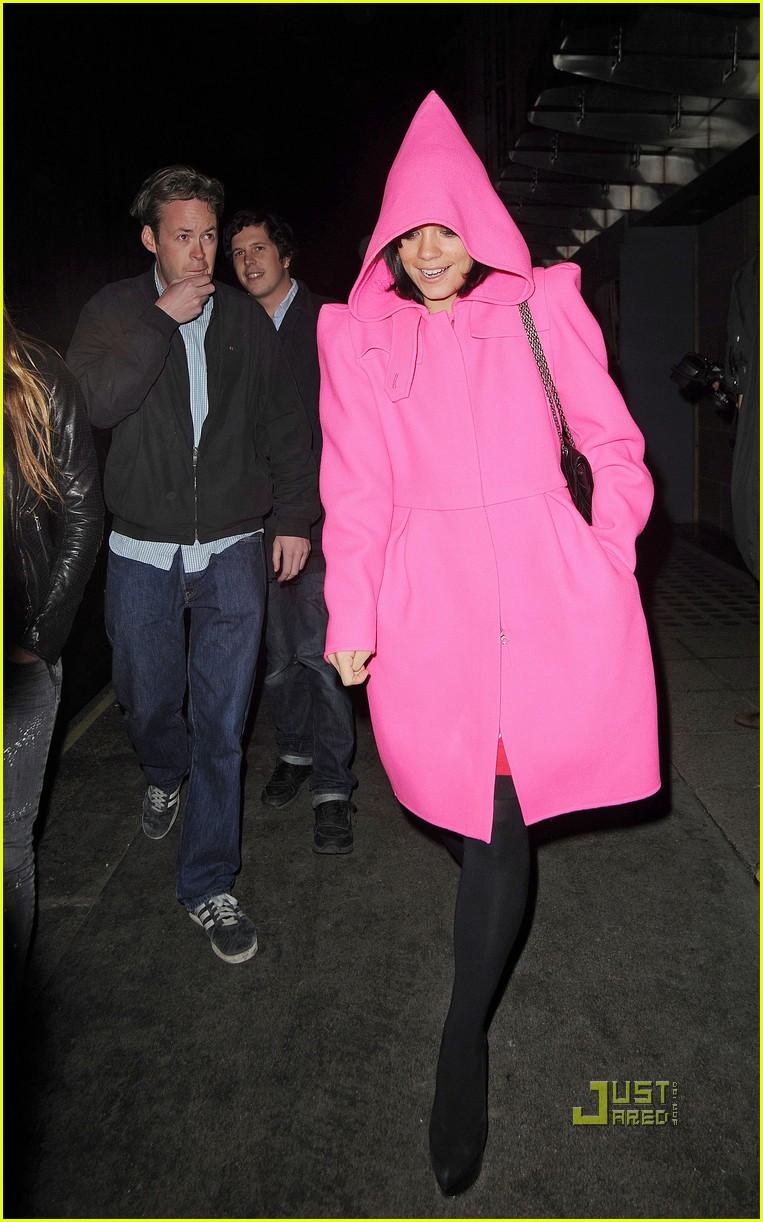 lily allen pink hood coat 05