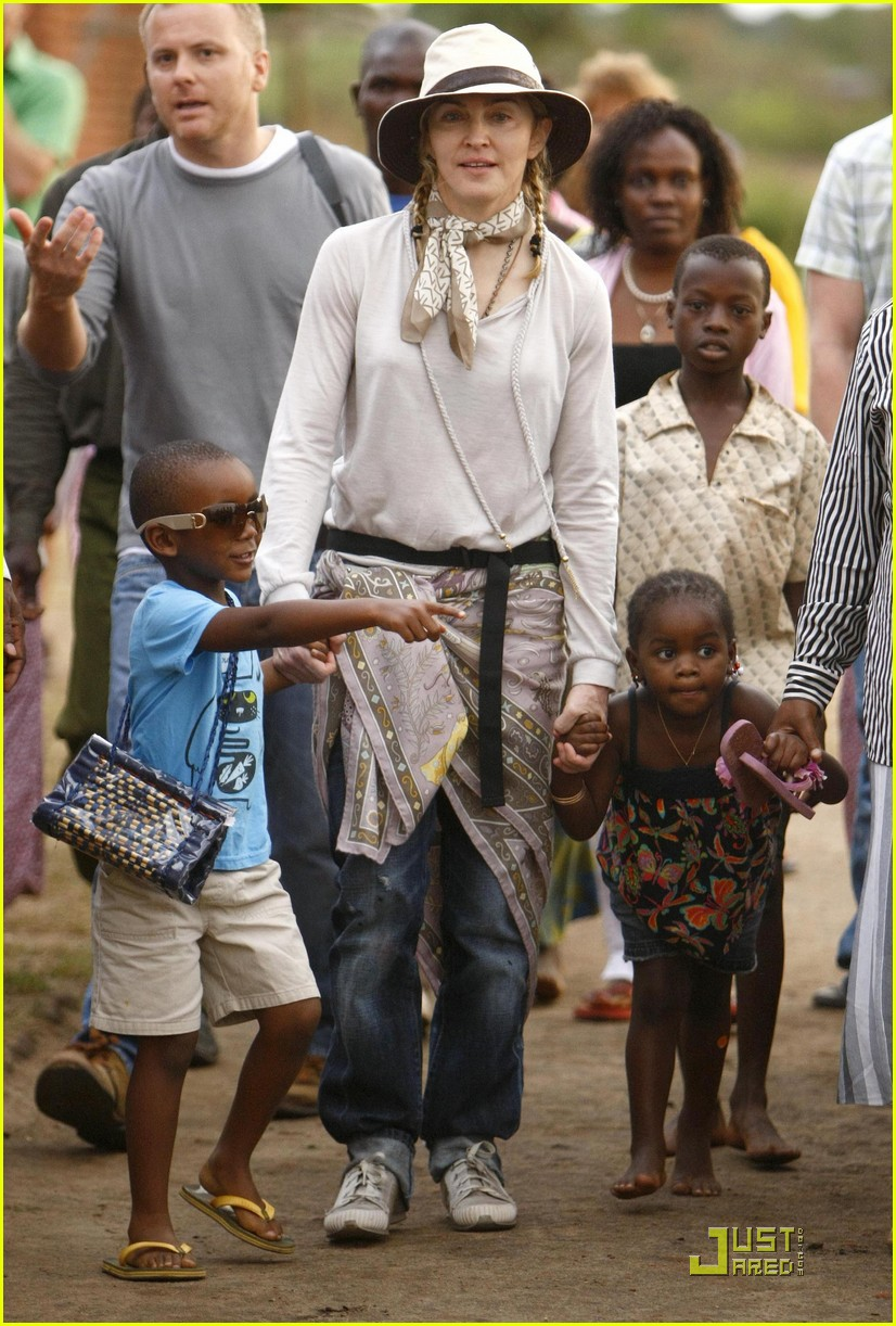 Madonna Is Raising Malawi: Photo 2322651   Celebrity ... Raising Malawi