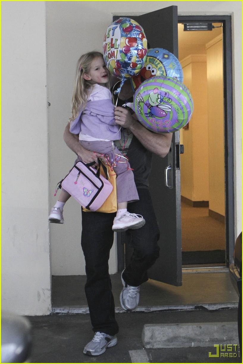 ben affleck violet balloons 152380071