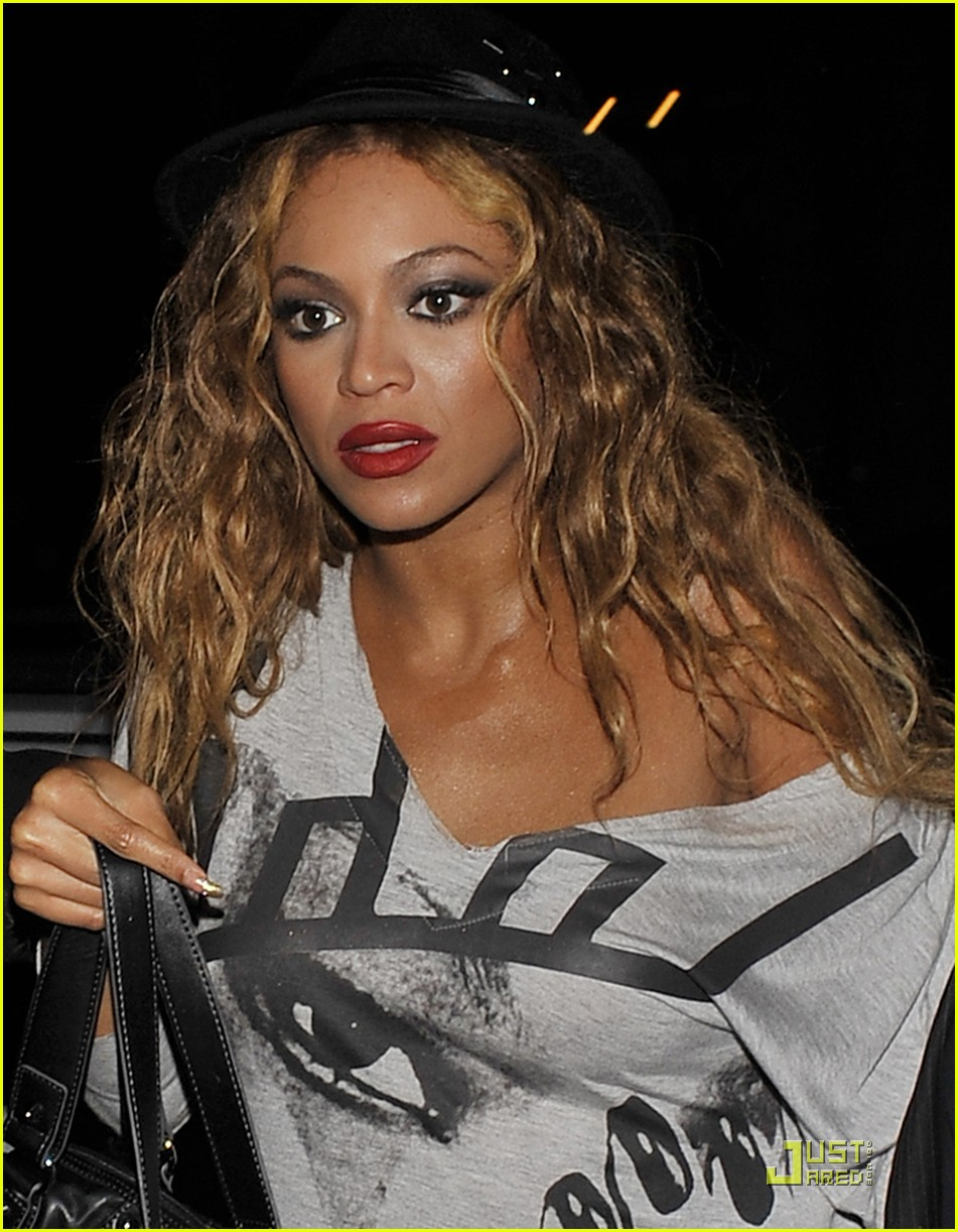 Full Sized Photo Of Beyonce Makes It To Mahiki 01 Photo