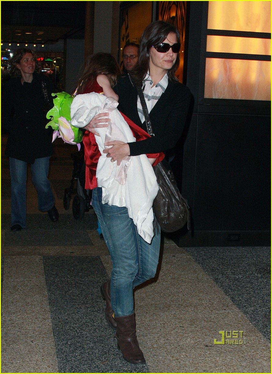 katie holmes suri cruise lion king broadway 14