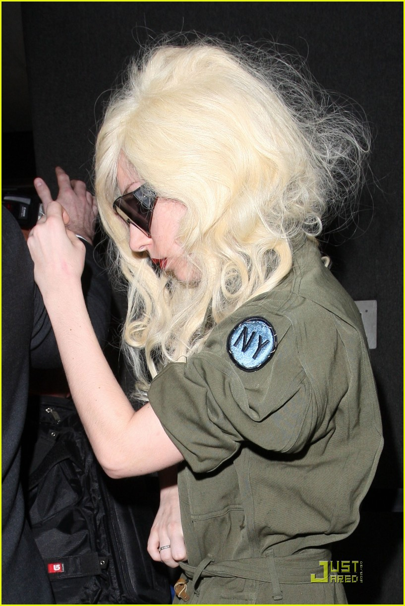 lady gaga lands at lax 02