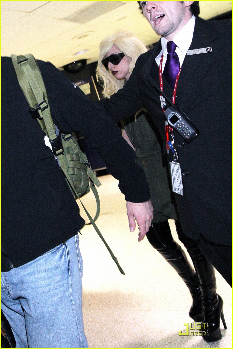 lady gaga lands at lax 06