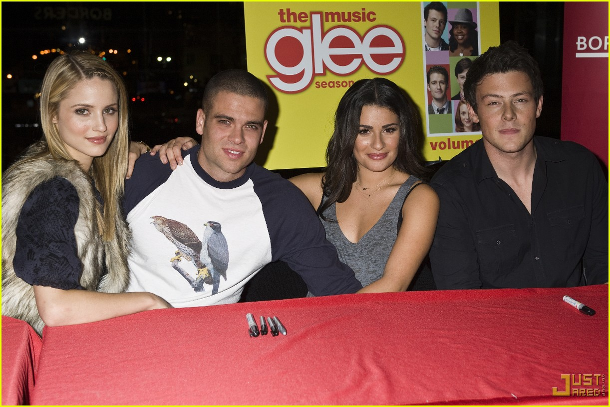 glee cast autograph signings 05