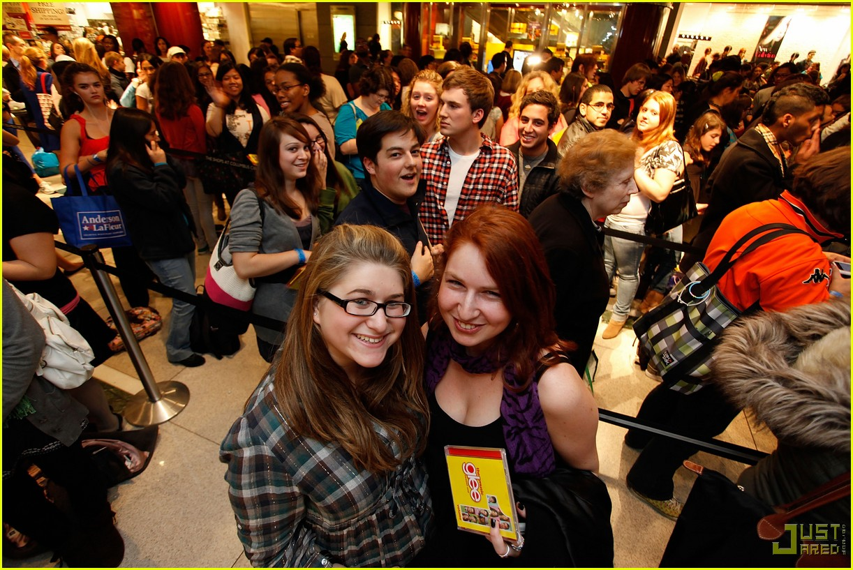 glee cast autograph signings 34