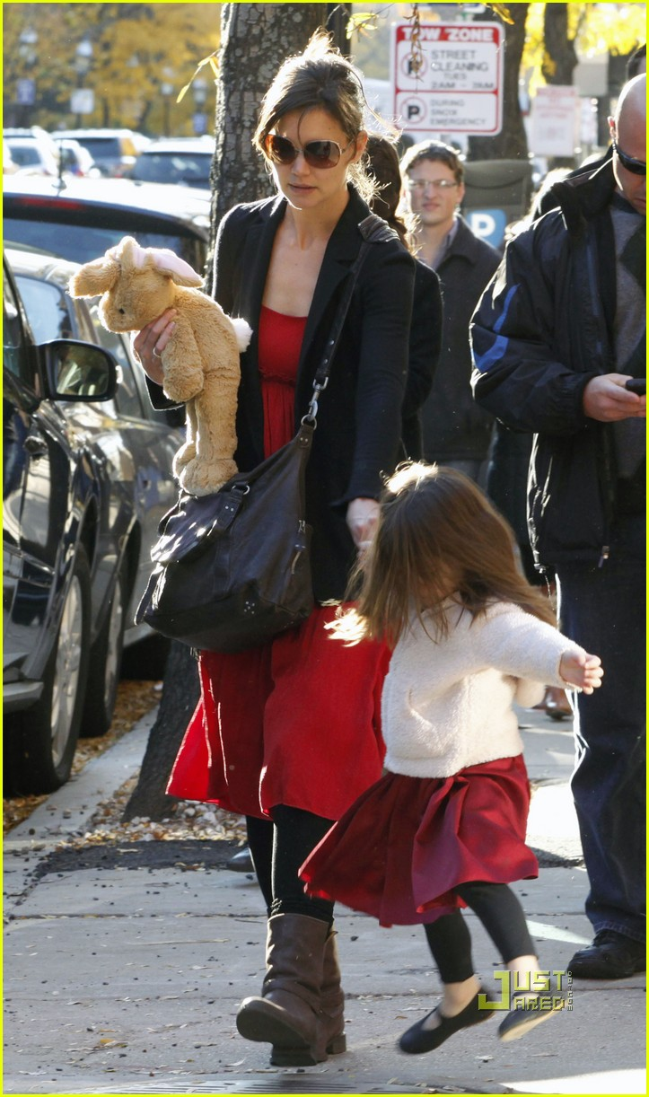 katie holmes suri cruise bakery 11