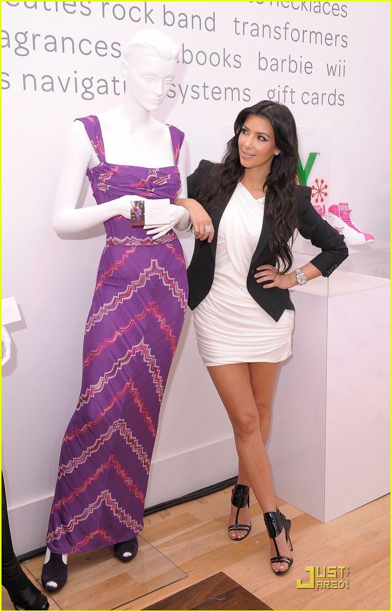 kim kardashian is excited about ebay 04