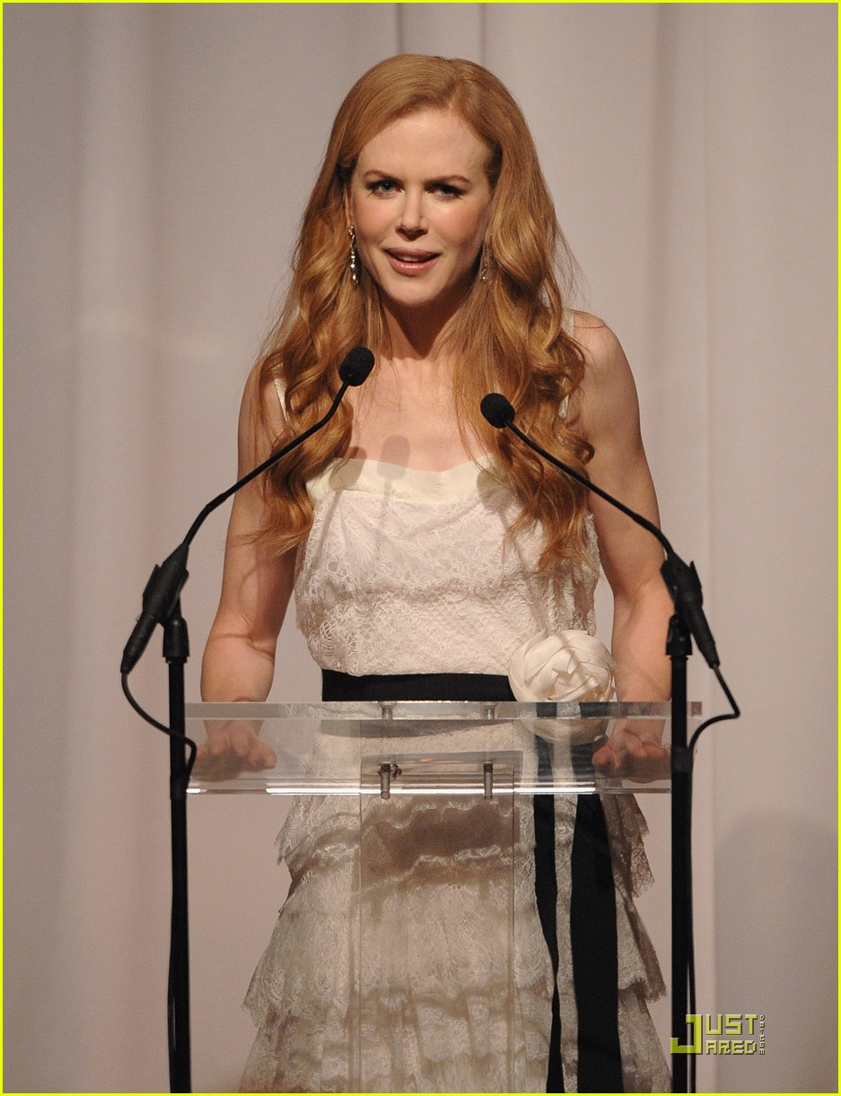 nicole kidman vogue fashion fund awards 072362542