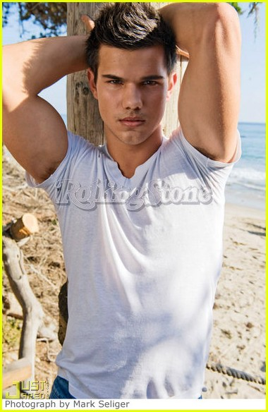 taylor lautner rolling stone abs 03