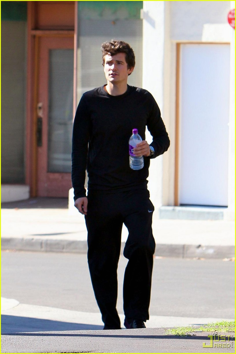 orlando bloom water bottle 01