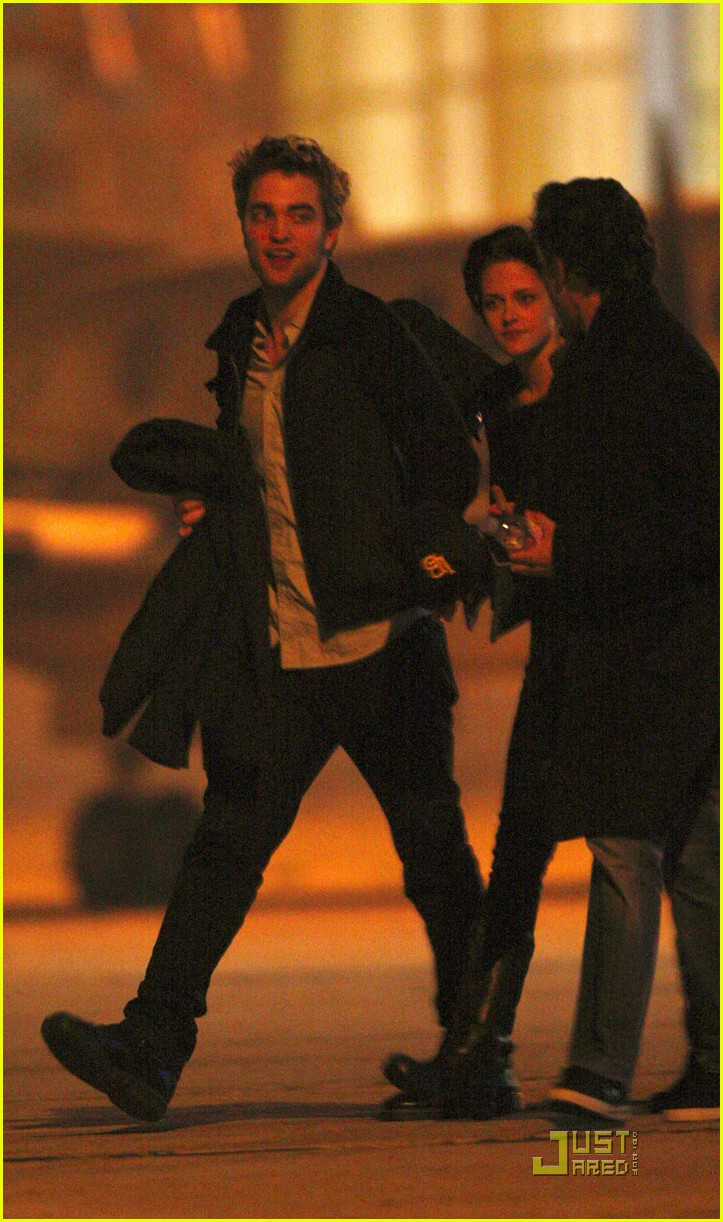 robert pattinson kristen stewart keep close 052348841