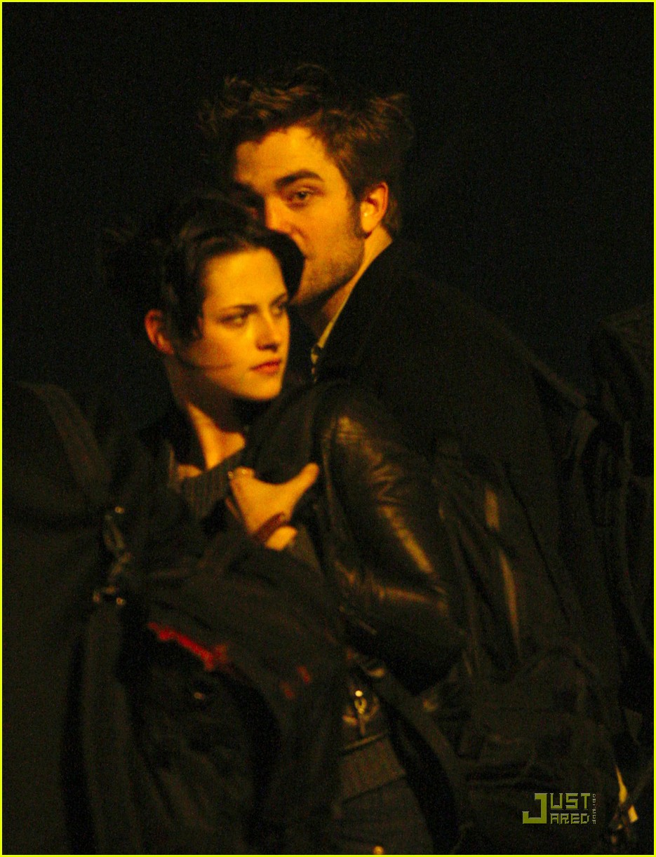 robert pattinson kristen stewart keep close 06