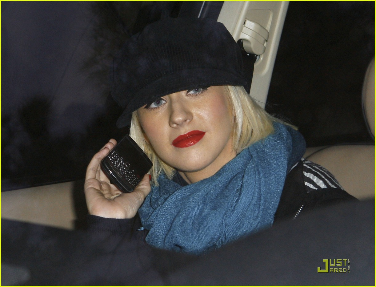 christina aguilera involved in car accident 082403455
