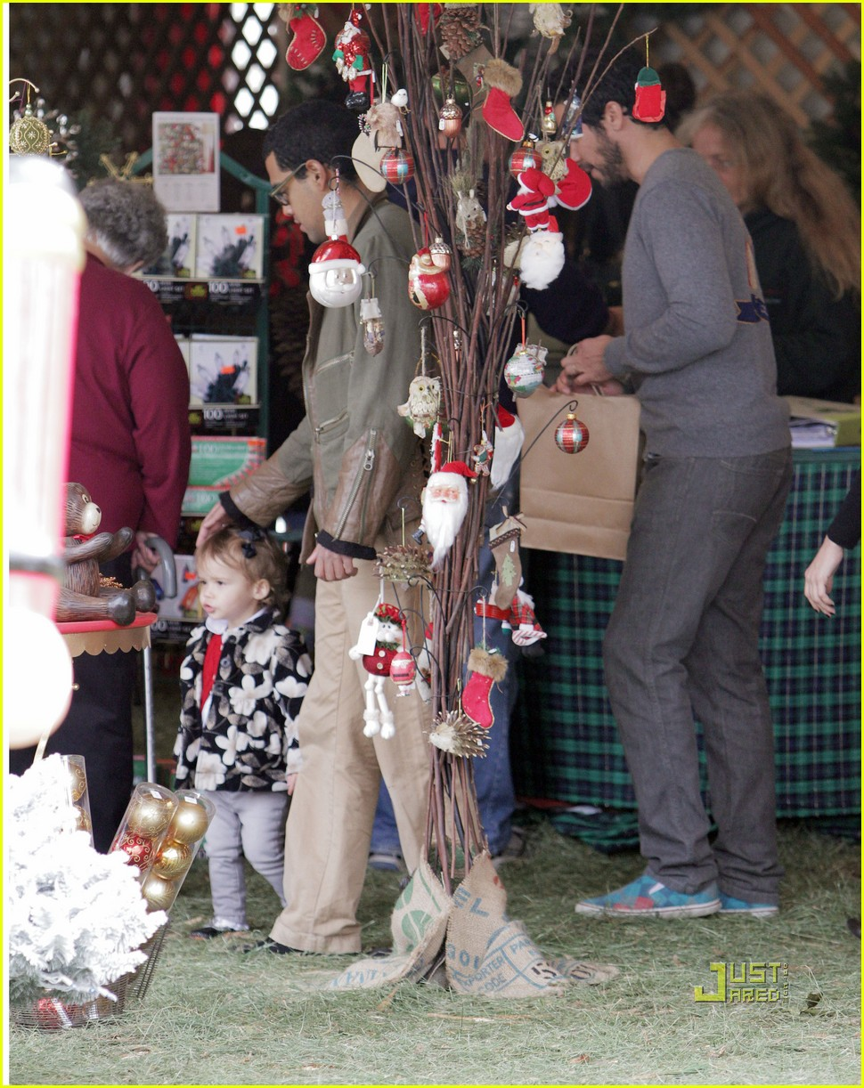 jessica alba christmas tree shopping 11