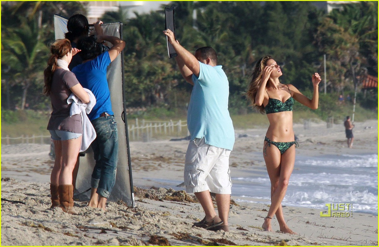 alessandra ambrosio bikini photo shoot 07