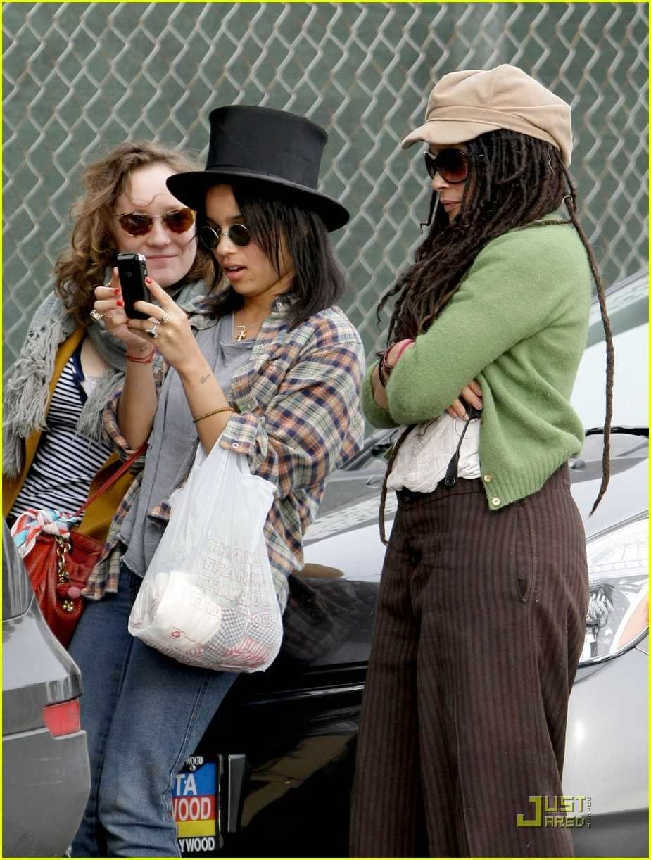 lisa bonet laughing love 03