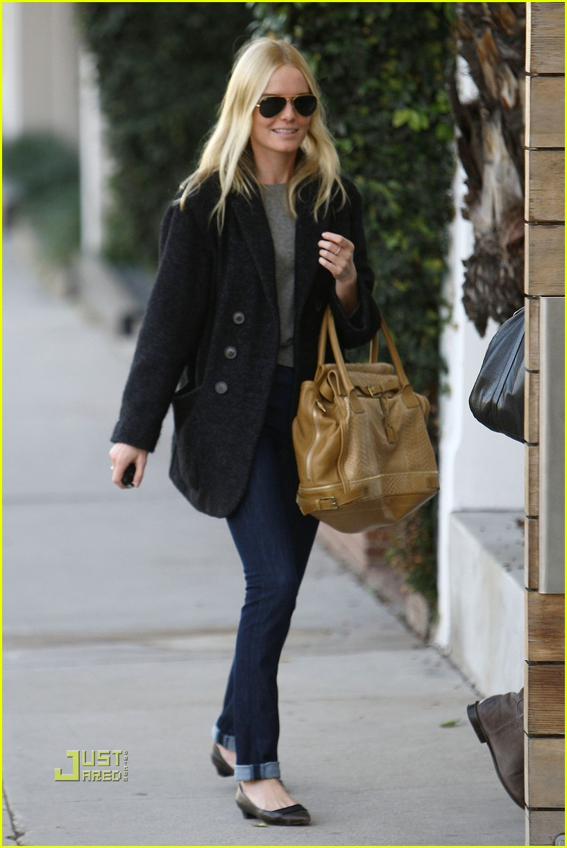 kate bosworth holiday shopping 102402590