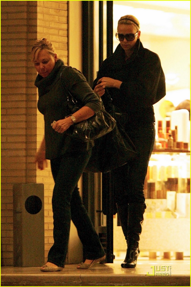 charlize theron gera shopping spree 052404179