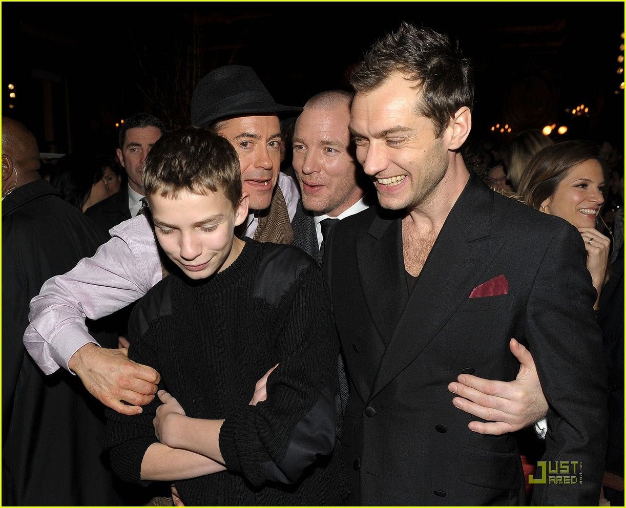 Full Sized Photo of jude law premiere pair 09 | Photo ... Robert Downey