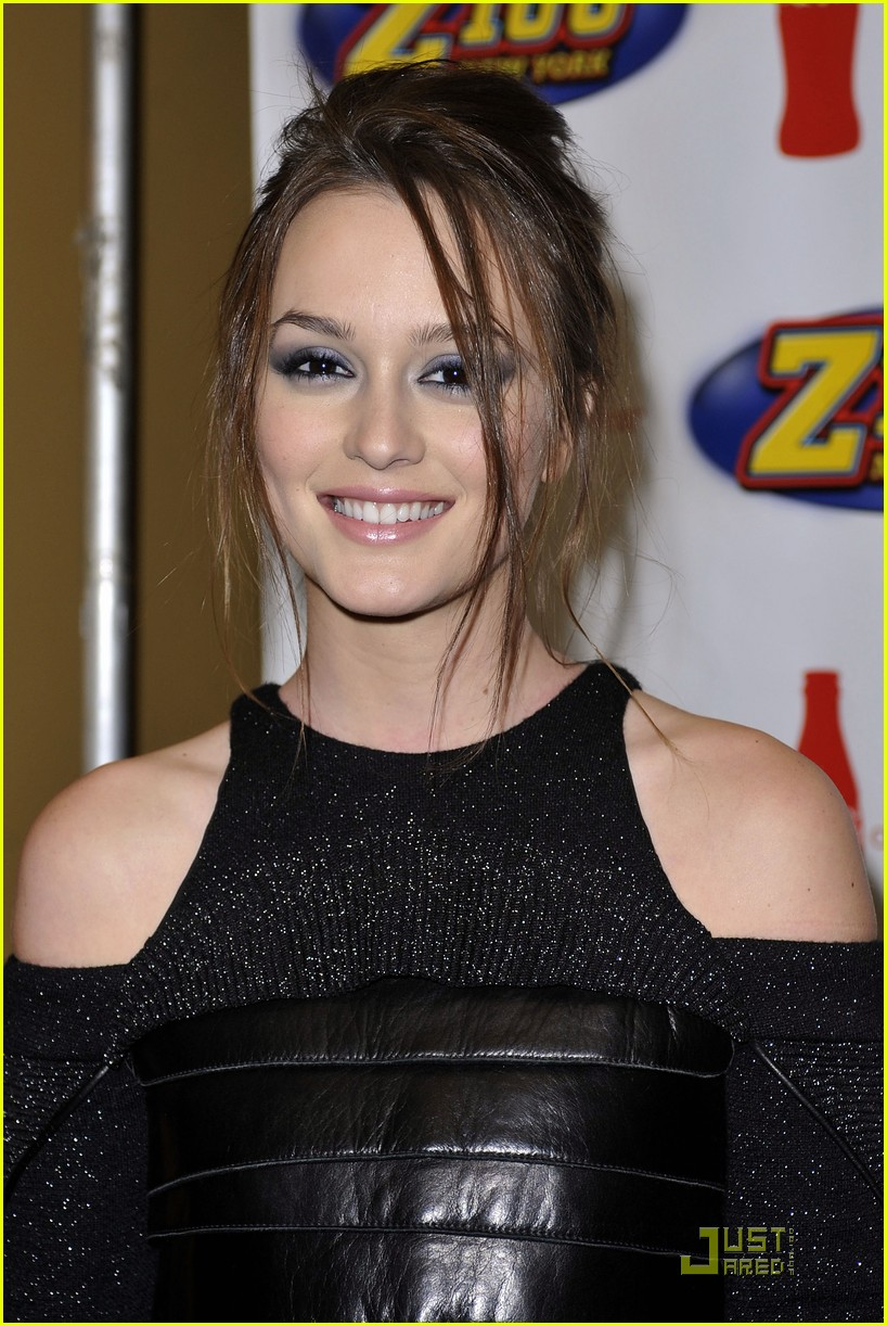 leighton meester jingle ball nyc 01