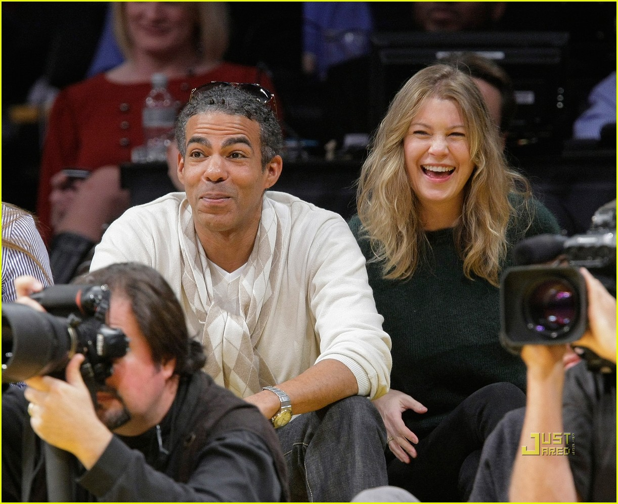 Ellen Pompeo Husband Ellen Pompeo Celebrates Christmas With The Lakers Photo