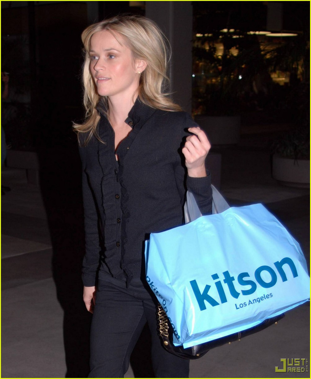 reese witherspoon single shopping kitson 09