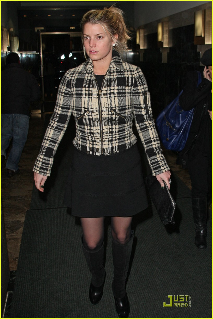 jessica simpson is pretty in plaid 15