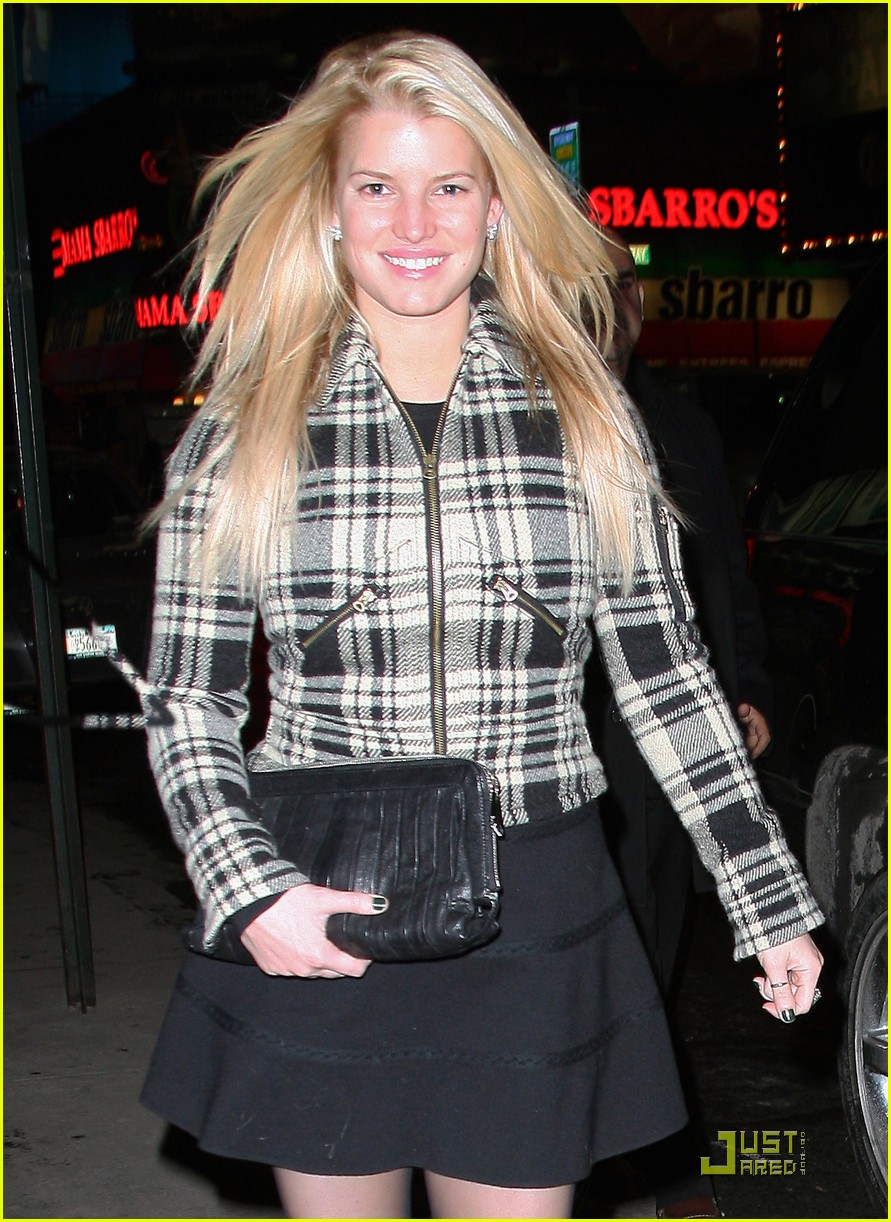 jessica simpson is pretty in plaid 192403710