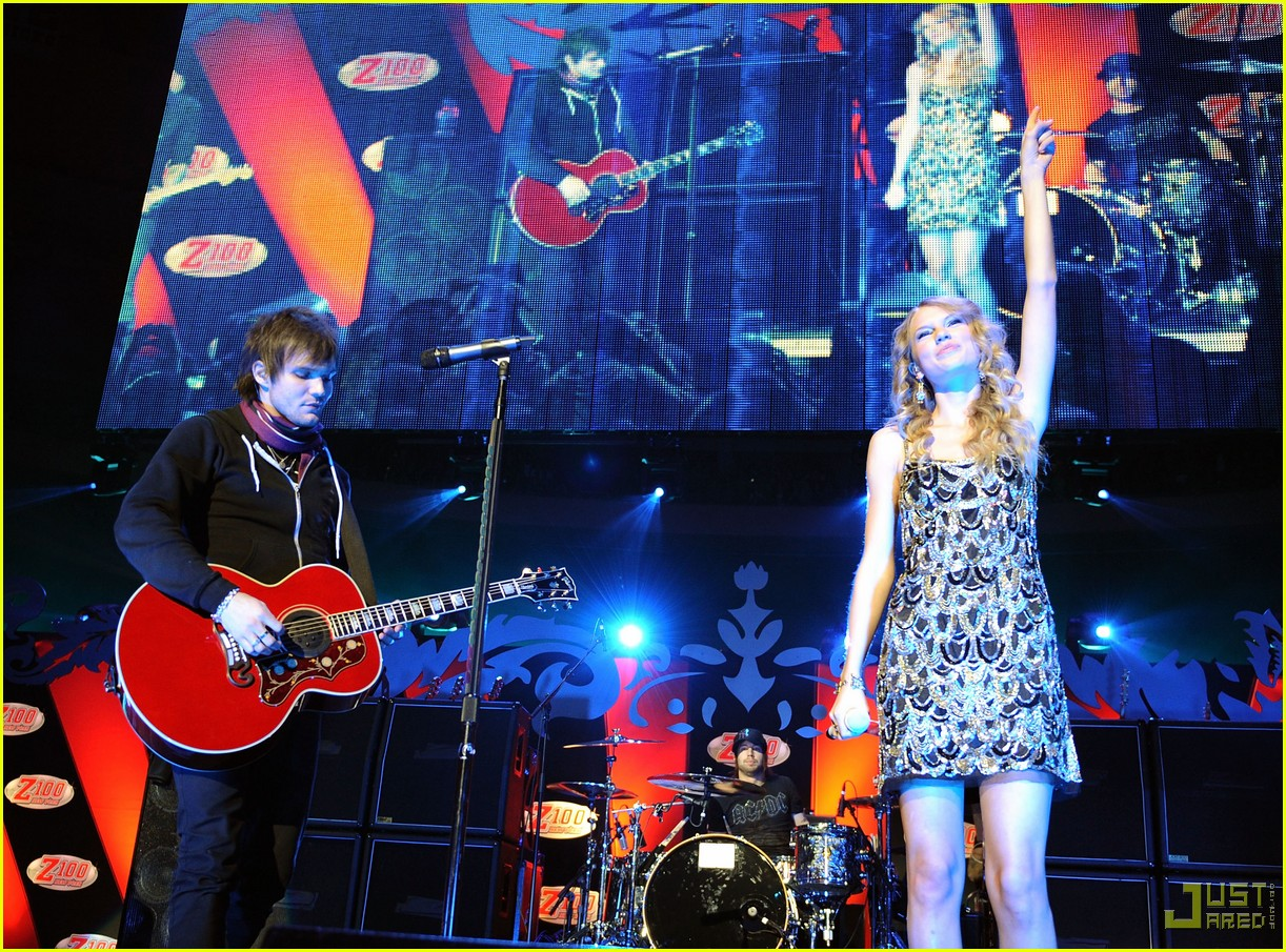 taylor swift boys like girls 2009 jingle ball 05