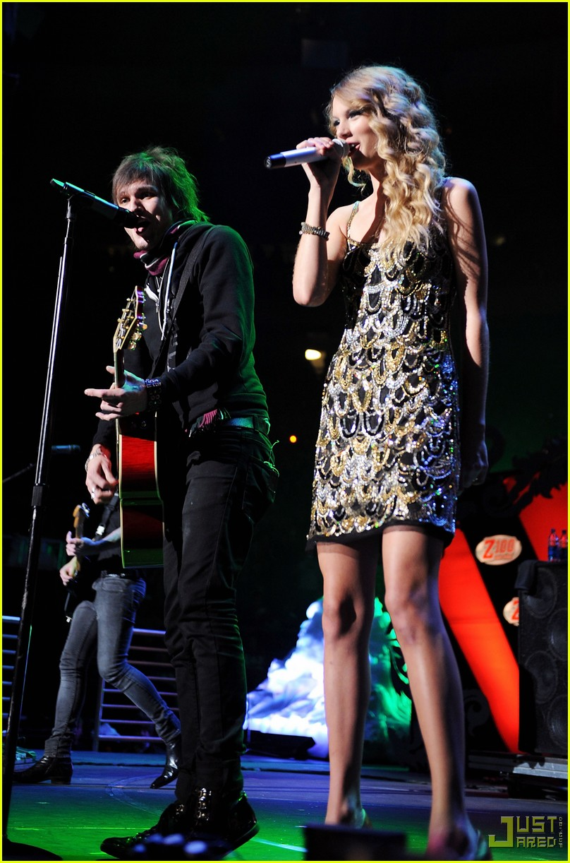Boys Like Girls Know That Two Is Better Than One Photo 2401488 Boys Like Girls Taylor Swift Pictures Just Jared