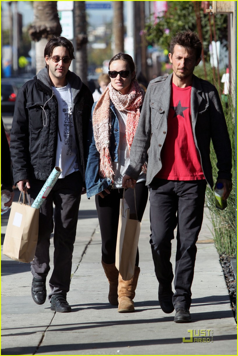 olivia wilde very merry christmas shopping 022403920