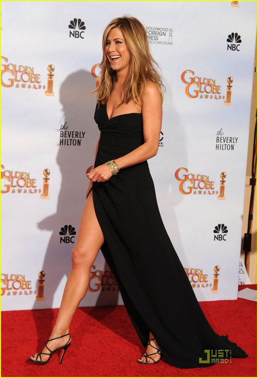 Jennifer Aniston Golden Globes 2010 Red Carpet Photo
