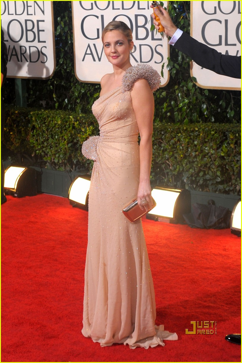 drew barrymore golden globes 2010 red carpet 06