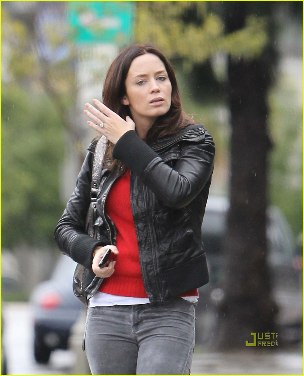 emily blunt studio los angeles rainy leather jacket 03