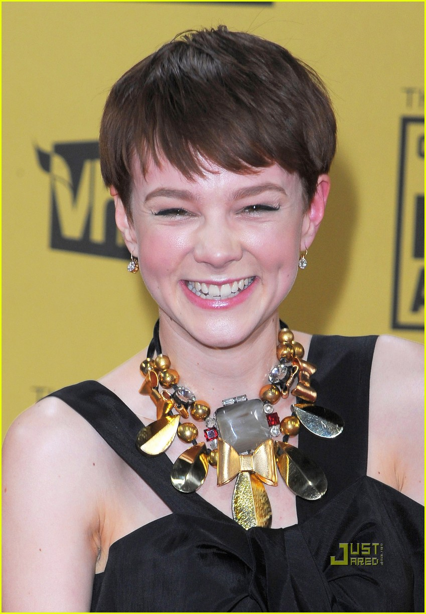 carey mulligan critics choice awards 09