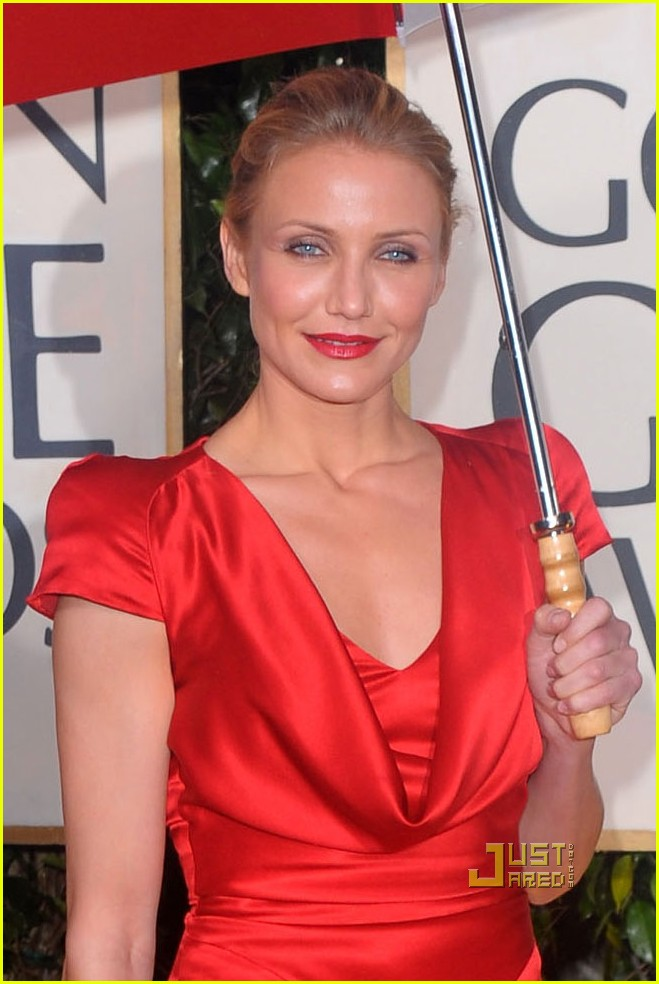 cameron diaz 2010 golden globes red carpet 03
