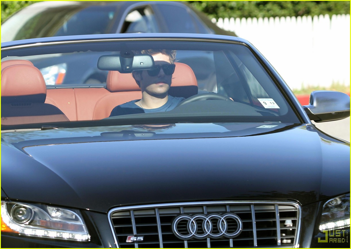 Zac Efron: Let's Get Audi Here!: Photo 2406998 | Zac Efron Pictures