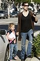 jennifer garner violet affleck hold hands 07