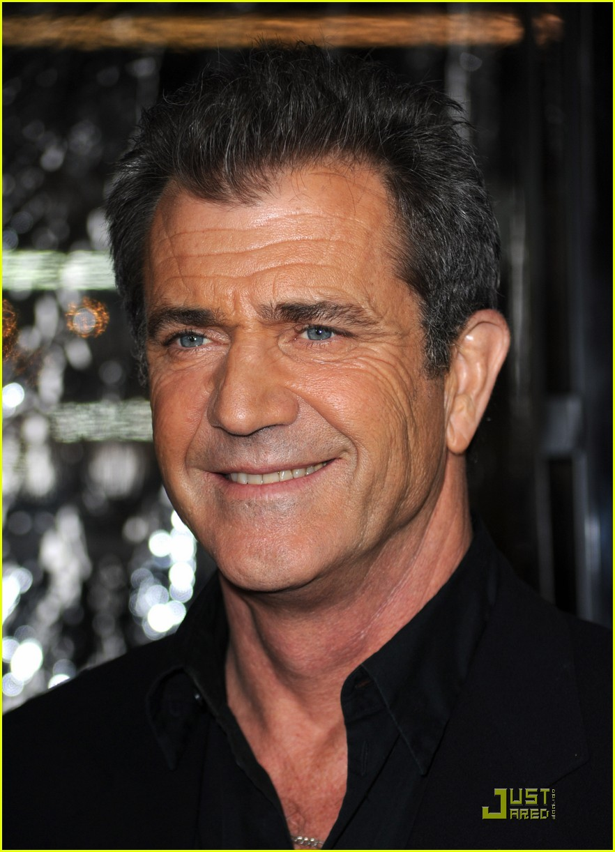 mel gibson is on the edge of darkness 012411832